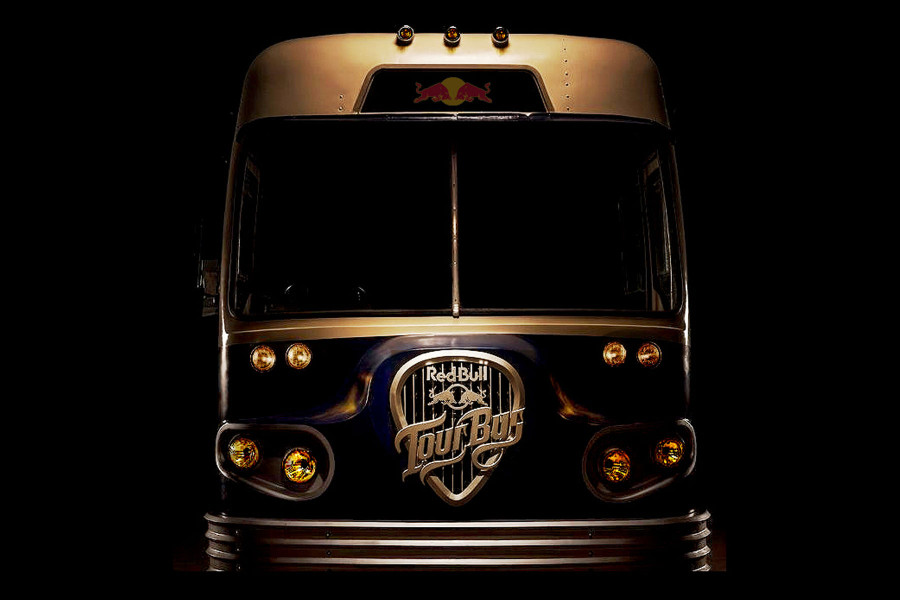 Red-bull-tour-bus-03